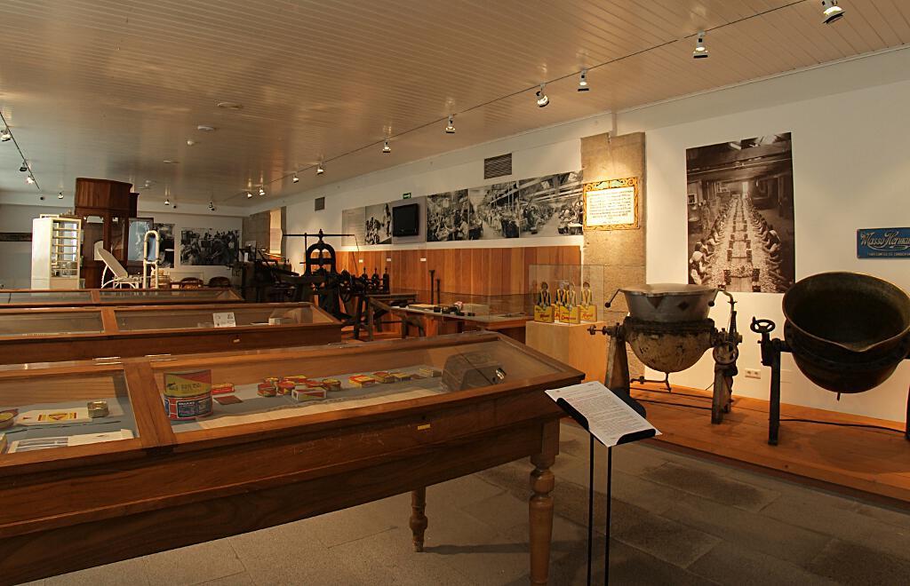 Sala dedicada a la actividad conservera