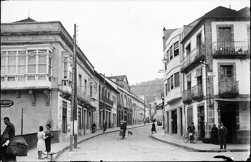 Ribadavia: rúa do Progreso esquina a rúa do Ribeiro. s.a. 194-?