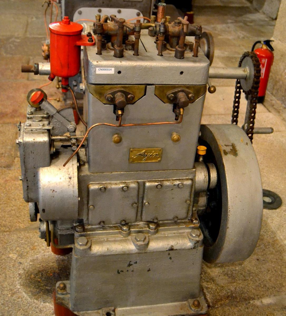 Motor Ayón fabricado en Noia