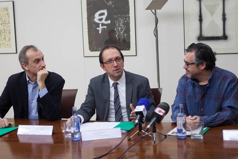 Miguel von Hafe, Anxo Lorenzo e José Luis Losa durante a presentación.