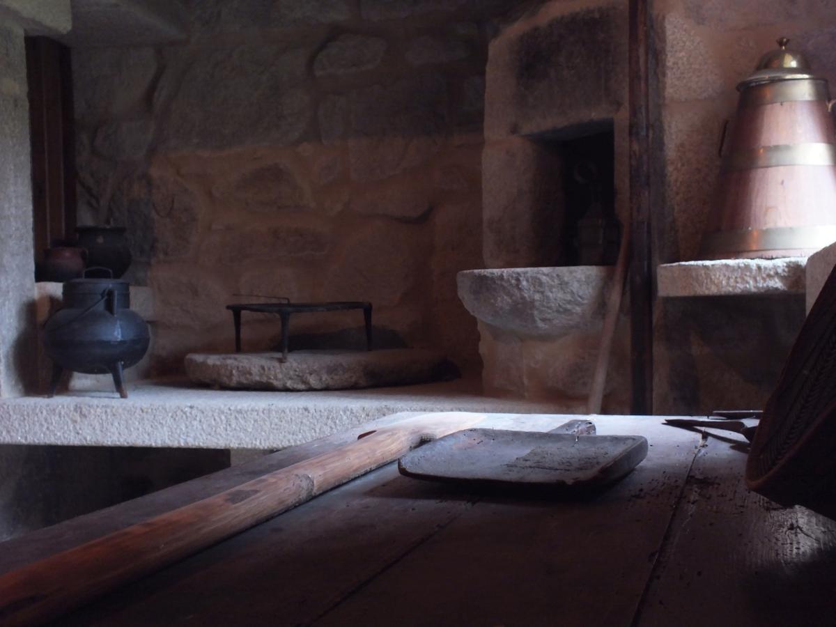 Reprodución da casa tradicional