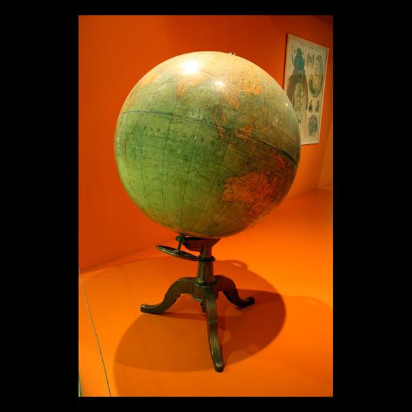 """La Terre / Globe"""